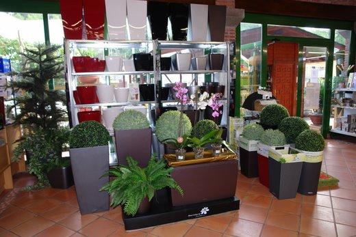 Venta de macetas jardineras e hidrojardineras en for Jardineria barcelona centro