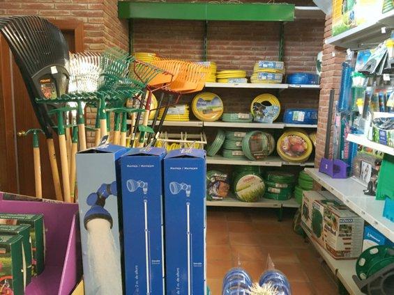 Plantas y jard n archivos centro de jardiner a s nchez for Accesorios jardineria